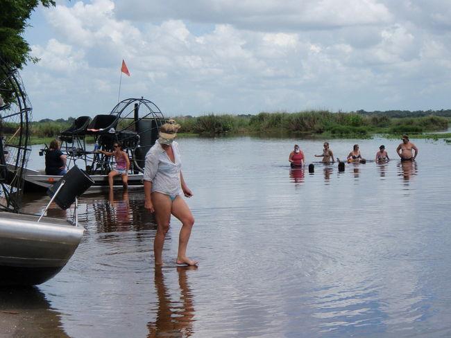Kat fixin' ta walk on water!!