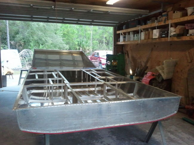 How to build an airboat hull
